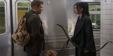 (L-R): Hawkeye/Clint Barton (Jeremy Renner) and Kate Bishop (Hailee Steinfeld) in Marvel Studios' LOKI, exclusively on Disney+. Photo by Mary Cybulski. ©Marvel Studios 2021. All Rights Reserved.